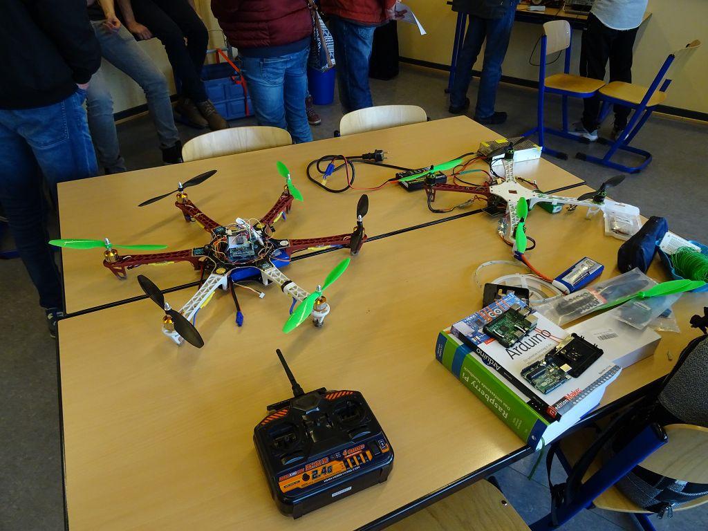 MINT AG baut einen Hexacopter | Friedrich-List-Schule Wiesbaden